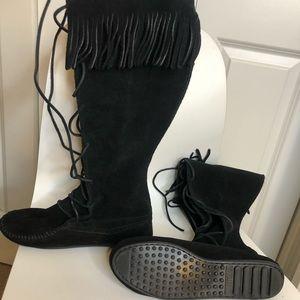 Minnetonka Indian style boots